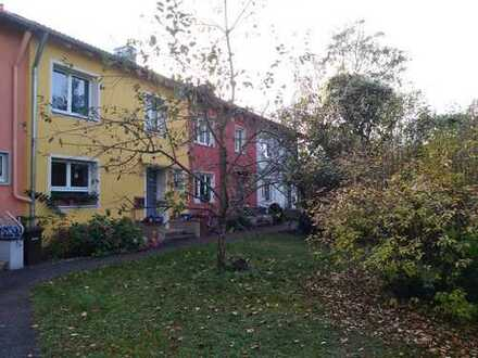 Schönes Reihenmittelhaus mit sechs Zimmern in Bamberg (Wunderburg)