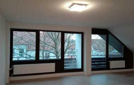 Gepflegte 2,5-Zimmer-Wohnung mit Balkon und EBK im Ortskern von Eching