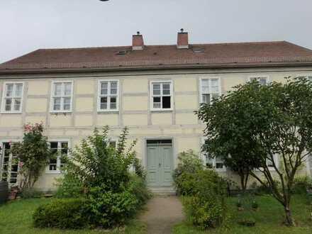 Vermietete 2-Zimmer-Wohnung mit Einbauküche in TOPLAGE (Altstadt/Seenähe)