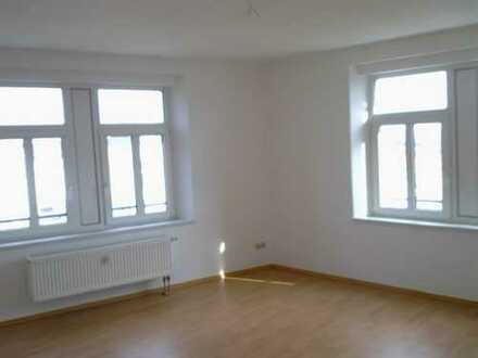 Leben im Dachgeschoss - 3 Zimmer-Wohnung mit Balkon!