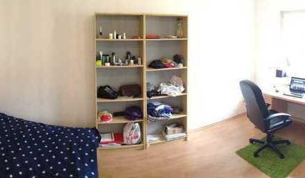 Möbliertes WG-Zimmer im Waldstraßenviertel (Zeitraum flexibel). Schnell wifi, Telefon, Waschmachine.