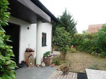 Modernisiertes freist. Zweifamilienhaus in Neubärental--- hochwertige Wohnoase für die Großfamilie