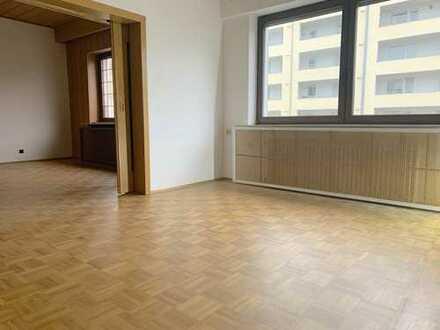 Pracht Immobilien- Großzügige 4 Zimmer Wohnung sucht neuen Mieter!!!