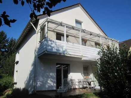 *OF-Stadt*: Freistehendes, gepflegtes 2-3 Fam.-Haus (ca.260qm Wfl., 690 qm eingew. Grundstück)