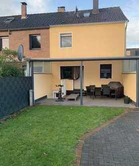 Günstiges, geräumiges und gepflegtes Haus mit fünf Zimmern in Oberhausen