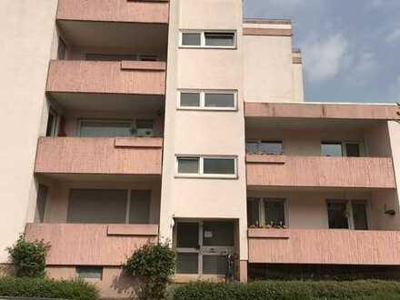 Schöne tip-top modernisierte vier Zimmer Wohnung in Landau-Stadt