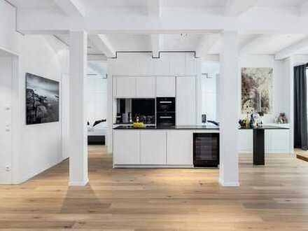 Einmaliger Lifestyle: Hochwertig eingerichtetes Wohnloft nahe Rathaus