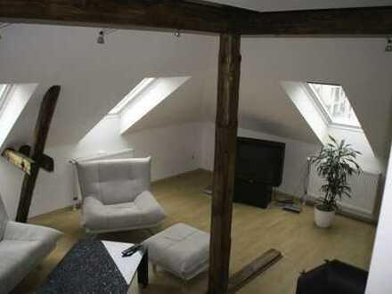 Schmuckstück: 2-3 Zimmer-Eigentumswohnung auf zwei Ebenen