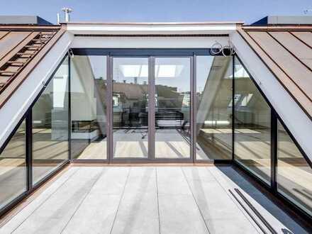 Luxus-Loft über zwei Ebenen mit großer Dachterrasse in saniertem Altbau in Isarvorstadt