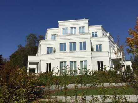 Luxuriöse Gartenwohnung an der Elbe / Luxurious apartment with garden close to the Elbe river