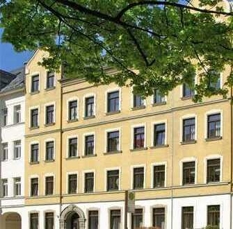 Dachgeschosswohnung mit grünem Innenhof - Einbauküche möglich