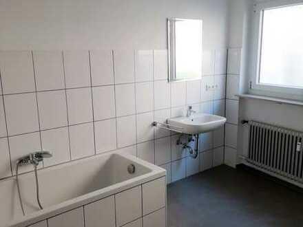 Sanierte 2,5-Zimmer-Wohnung mit Einbauküche in Möckmühl