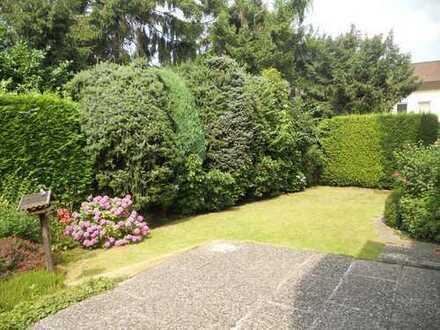 Großzügig geschnitten, EBK und eigener Garten