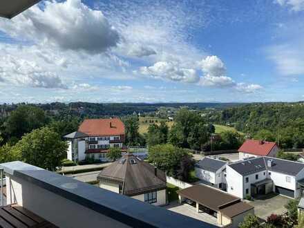 Freundliche 4-Zimmer-Wohnung mit Burgblick und EBK in Burghausen