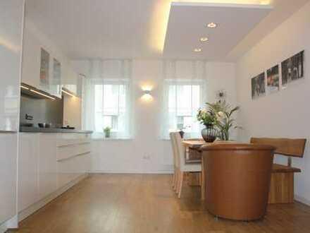Willkommen in Ihrem Zuhause - moderne 4-Zimmer-Wohnung mit Kamin, Balkon, Gartenmitbenutzung