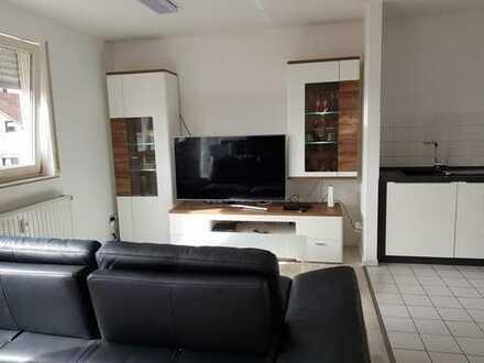 Exklusive, neuwertige, vollmöblierte 1,5-Zimmer-Wohnung mit Balkon und Einbauküche in Fellbach