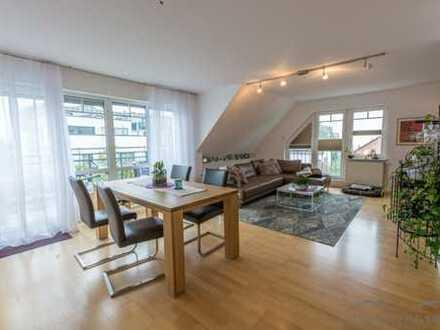 traumhafte Dachgeschosswohnung auf zwei Ebenen mit Balkon und Garage