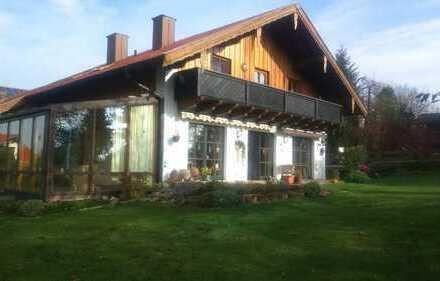 Landhausvilla in Einzellage mit Blick auf Schwindegg und Obertaufkirchen