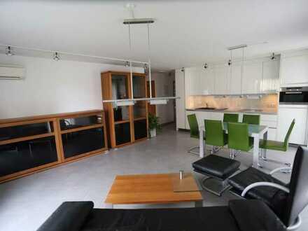 Neuwertige Wohnung mit drei Zimmern sowie Balkon und EBK in Beilstein