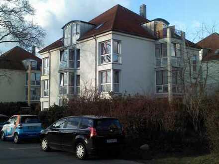 Beliebt in Super-Lage: Moderne 2-Zi Wohnung im Wohnpark, mit Balkon - sofort bezugsfähig
