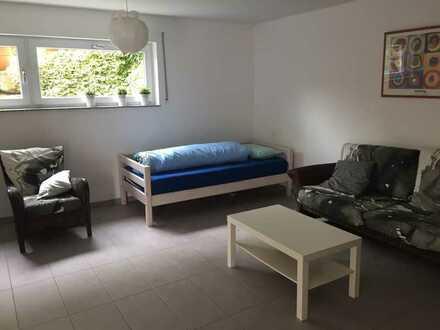 Helle und gemütliche, möbilierte 1-Zimmerwohnung für Pendler