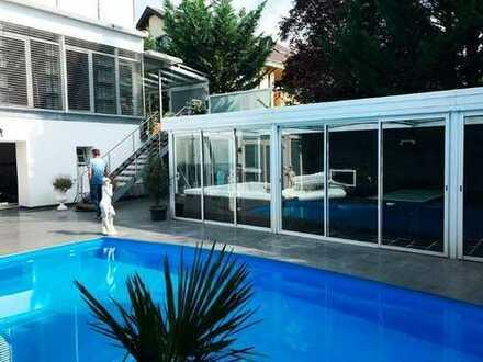 Traumhafte Villa (1-3 Fam.-Haus) in schöner Wohnlage mit ca.11,3 Ar Grundstück + Bauplatz (optional)