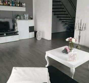 Schöne 4 Zimmer Maisonette-Wohnung mit EBK und Balkon in Nordheim, Württ