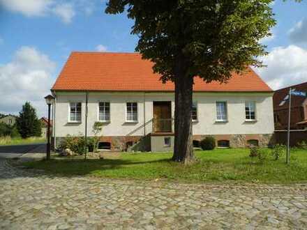 Freundliches. freistehendes und ruhiges Bauernhaus mit zwei Lofts