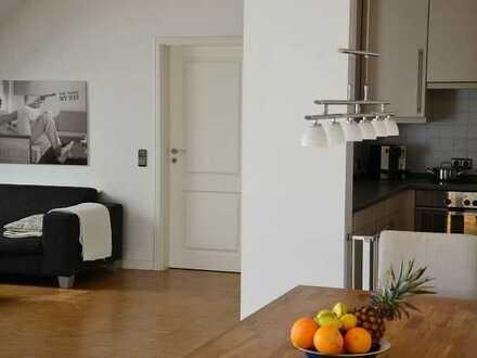Hochwertige Wohnung mit drei Zimmern in Wiesbaden-Biebrich