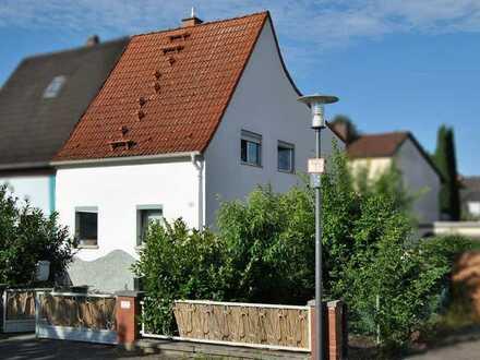 Gut gelegene Doppelhaushälfte mit Garten in Ludwigshafen-Gartenstadt