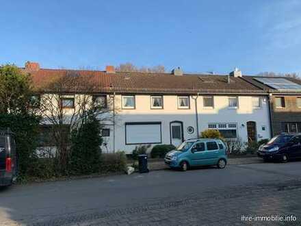 HB-Schwachhausen/Riensberg: Gr. RMH, 5-6 Zi., Ausbaureserve im DG, Vollkeller, Balkon, Garage.