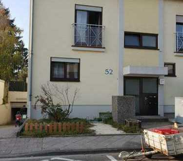 Sofort verfügbar: Helle 3-Zimmer-Wohnung mit großem Garten