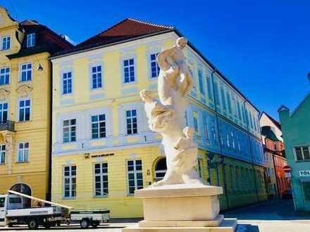 Kurzfristig frei: Sanierte 3-Zi. Altbau Whg., 2. OG, in denkmalgeschütztem Haus, Neustadt, ca. 104m²