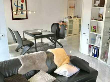 Schicke 4-Zimmer Wohnung mit großer Terrasse und TG-Stellplatz