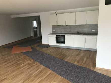 Helle, moderne 3 Zi.-Wohnung in Hahnstätten: