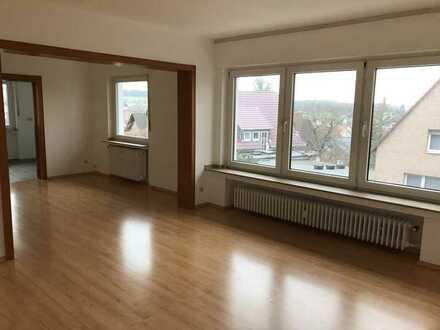 Schöne, helle Wohnung in Kirchborchen, 1. OG, renoviert, sofort bezugsfertig, ideal für 2 Personen