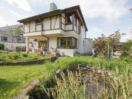 Freistehendes Einfamlienhaus mit ELW, großem Garten & Doppelgarage befristet bis 9/2019 zu vermieten