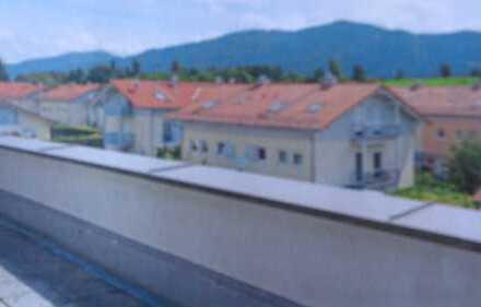 Stilvolle, neuwertige 3,5-Zimmer-Penthouse-Wohnung mit Balkon und EBK in Bad Tölz ,Südlage,Bergblick