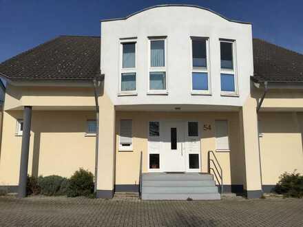 Modernisierte 2,5-Zimmer-Wohnung mit Terrasse in Mutterstadt