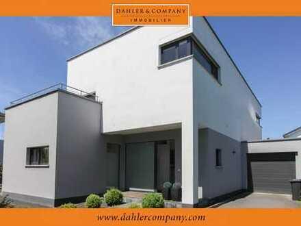 Lichtdurchflutetes Design-Einfamilienhaus