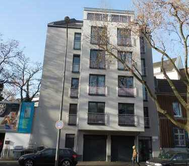 Attraktive 2,5 Zimmer Wohnung in Zentraler Lage/Aufzug/Balkon