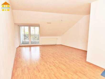 Gemütliches ZUHAUSE mit Balkon, Stellpl. & Opt. auf EBK in Burkhardtsdorf gesucht?