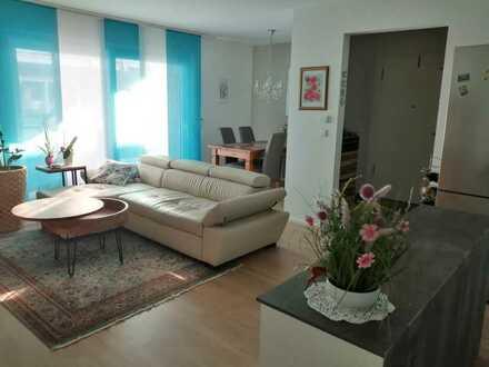 Gepflegte Wohnung mit zwei Zimmern sowie Balkon und Einbauküche in Ketsch