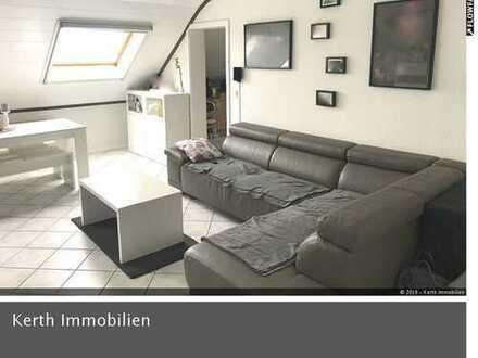 Schöne Dachgeschosswohnung mit 3ZKBB und Kfz-Stellplatz sucht Eigentümer