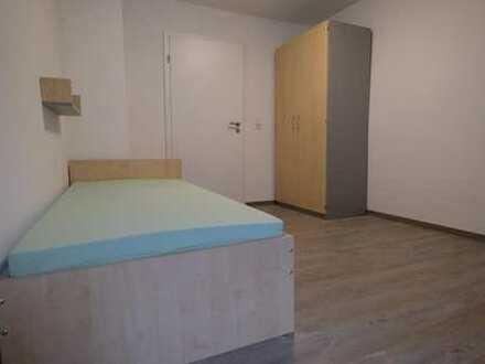 zwei möblierte Zimmer für Studenten