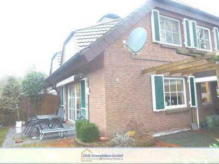 Rückwärtig gelegene Doppelhaushälfte in stadtnaher Wohnlage!