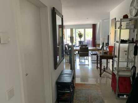 1.025 €, 82 m², 2 Zimmer