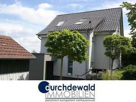 Liebevoll saniertes Einfamilienhaus in bester Aussichtslage mit großem Garten