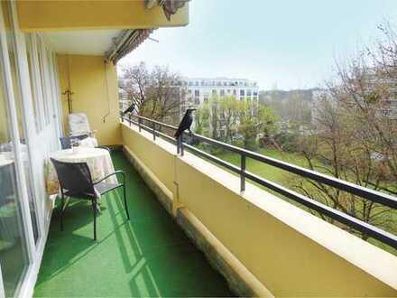 Schwabing: helle Wohnung mit weitem Ausblick nahe Luitpoldpark
