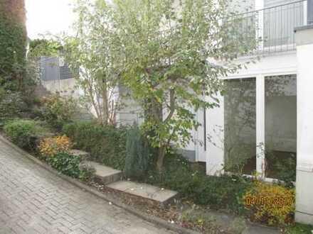 Neuwertige 2,5-Zimmer-Wohnung mit Terrasse und kleinem Garten in Dortmund